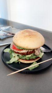 Burger von Atilla Hildmann sehr lecker.
